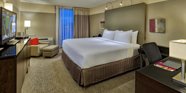 crowne plaza bed